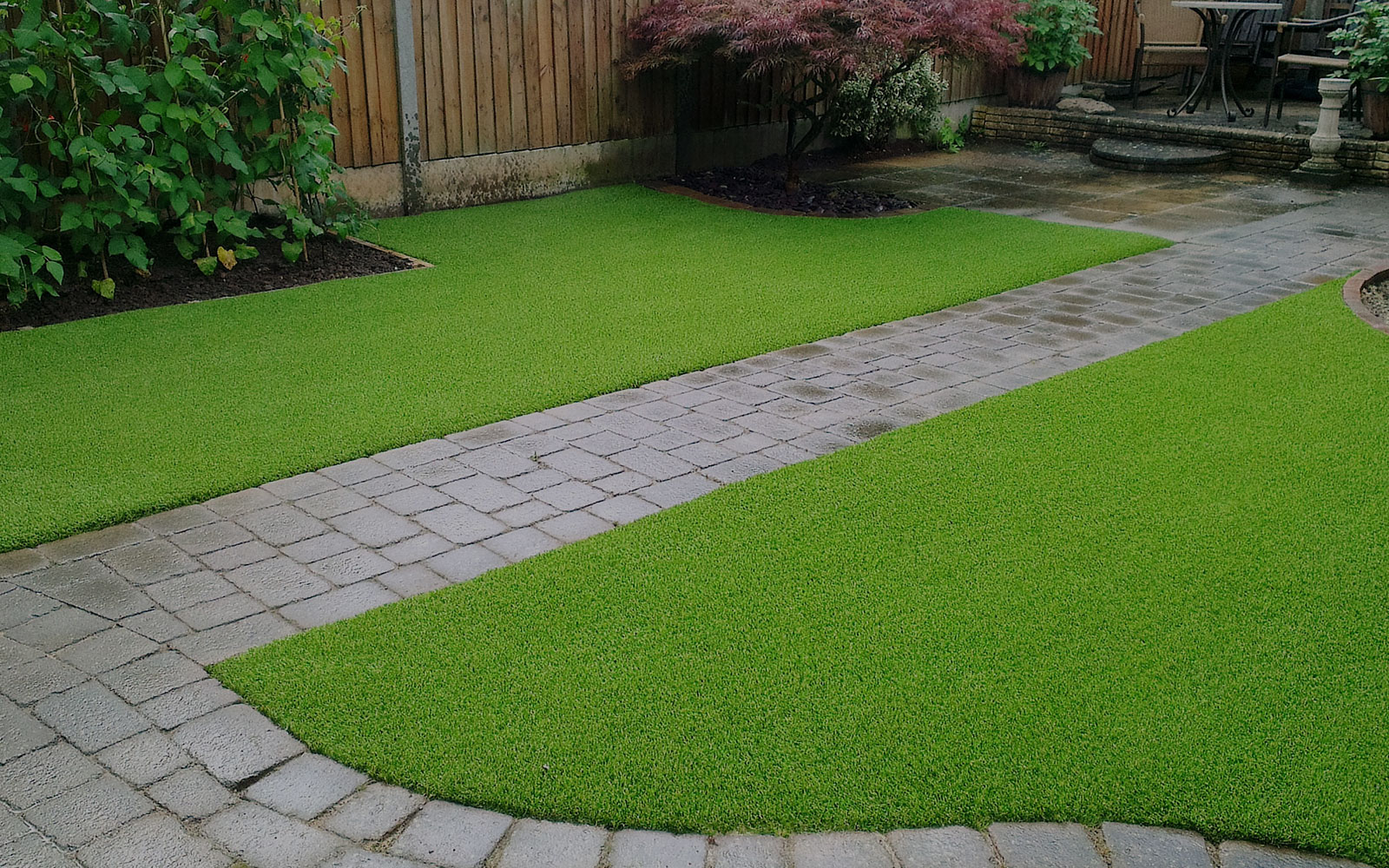 bg-easigrass rear garden